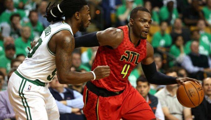 'Hawks' kļūst par 'Cavaliers' pretiniekiem NBA 'play off' otrajā kārtā