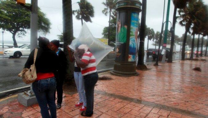 Meksikas līcī izveidojusies tropiskā vētra 'Kolins', kas virzās uz Floridu