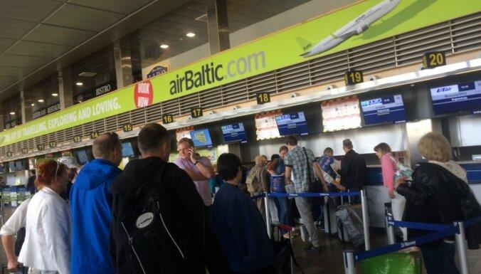 Kompensēs radušos zaudējumus pasažieriem, kuri lidostas dēļ nokavē reisu