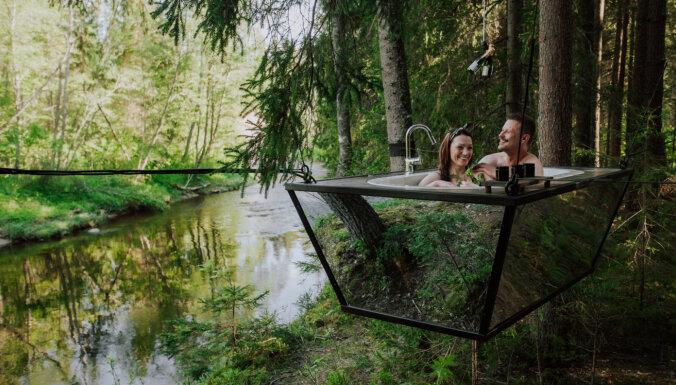 ФОТО: Уникальный оздоровительный ритуал — зеркальная ванна над рекой Амата
