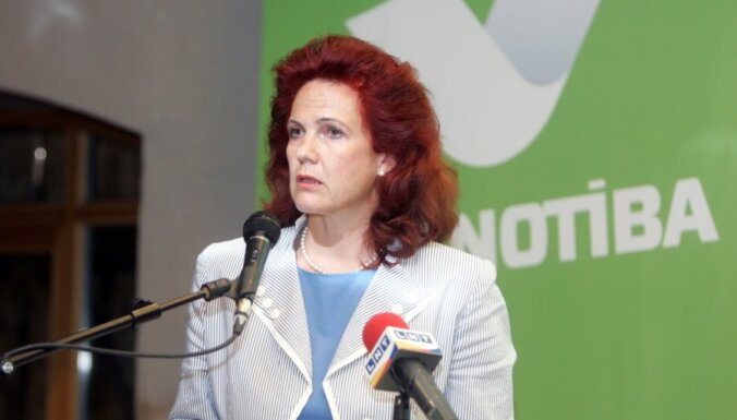 Āboltiņa aicina 'Vienotības' biedrus negulēt uz krīzes pārvarēšanas lauriem
