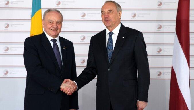 Moldova sagaida ES atbalstu arī turpmāk, pauž Timofti