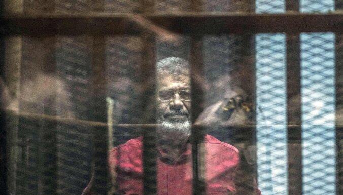 Ēģiptes gāztā prezidenta Mursi dēls Abdulahs ir noindēts, apgalvo juristi
