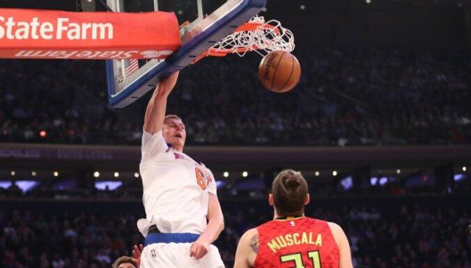 Porziņģis izceļas ar 'double-double' 'Knicks' uzvarā pār 'Hawks'