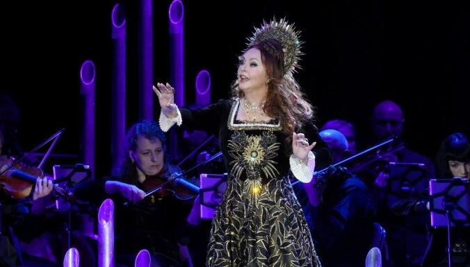 Foto: Maģiskā noskaņā izskanējis Sāras Braitmenas koncerts Rīgā