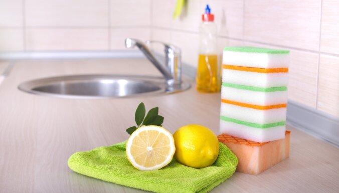 Astoņi veidi, kā likvidēt nelāgo aromātu virtuves izlietnē