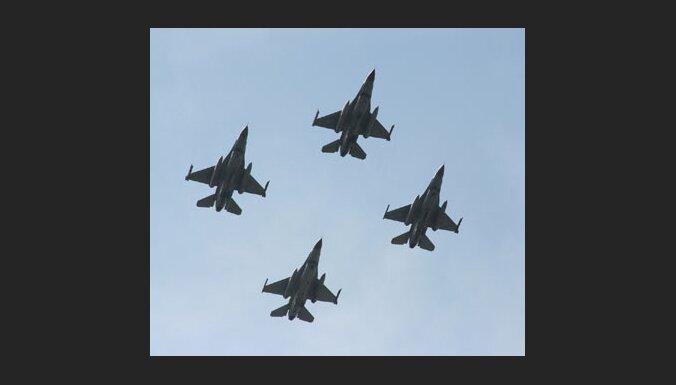 НАТО обещает позаботиться о небе Балтии