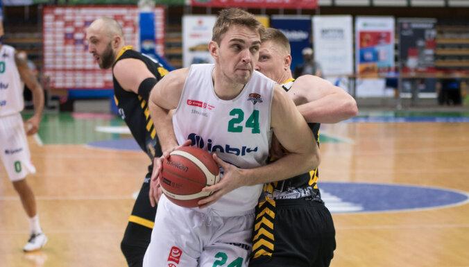 Freimanim 14 punkti sensacionālā 'Stelmet Enea' uzvarā pār CSKA Vienotās līgas spēlē