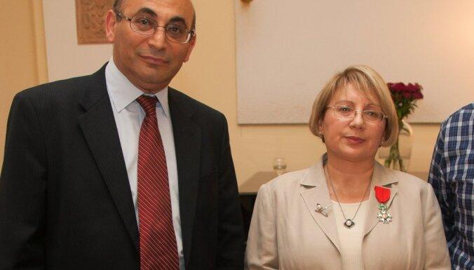 Azerbaidžānā tiesa atbrīvo ieslodzīto cilvēktiesību aktīvisti Leilu Junusu
