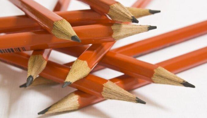 Кучинскис: даже при социализме школьники сами покупали себе карандаши