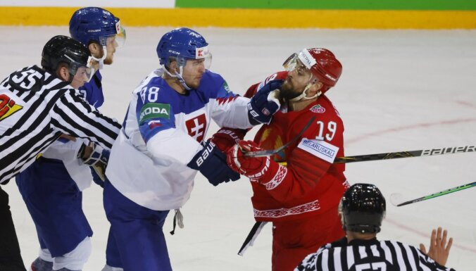 Slovākijas hokejisti pēc vētraina sākuma uzvar Baltkrieviju