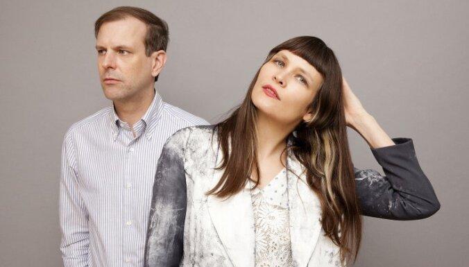 Rīgā uzstāsies sintpopa duets 'Xeno & Oaklander'