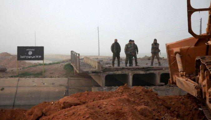 Spānijas policija konfiscē 'Daesh' un 'Al Nusra' paredzēto militāro apģērbu