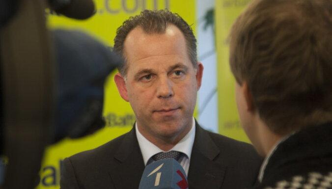 Мартин Гаусс, airBaltic
