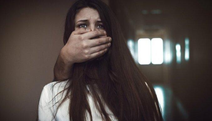 Доклад: в Латвии терпимость к насилию в семье выше, чем в среднем по ЕС