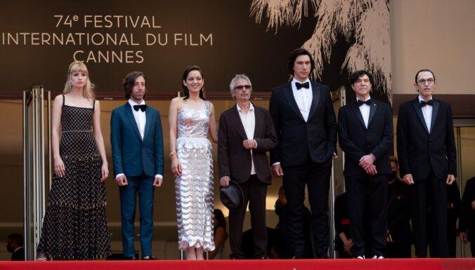 Foto: Spozme un sarkanais paklājs klātienē - Francijā sācies Kannu kinofestivāls