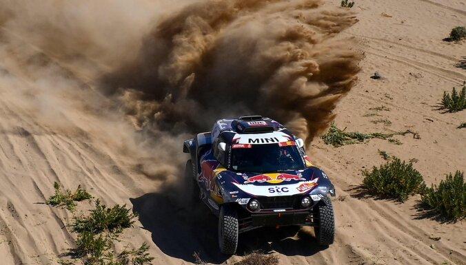 Karloss Sainss ar uzvaru uzsācis Dakaras rallijreida sacensības