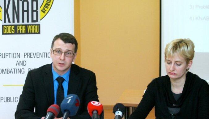 """20 декабря: """"Замок света"""" достроили, Ходорковский в Германии, битва за скидки"""