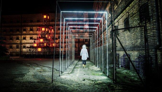 Foto: Slēgtais Viļņas cietums pārvērties alternatīvā svētku laukumā