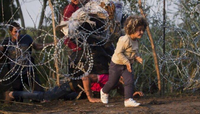 Francija un Vācija atbalsta saistošas kvotas imigrantu sadalei ES