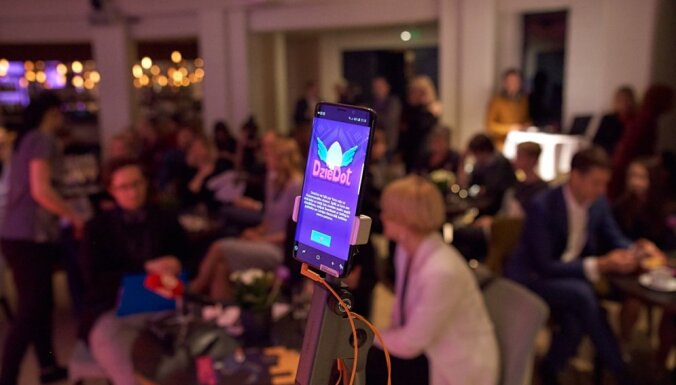 Aicina kopā ar Katrīnu Neiburgu radīt Dziesmu svētku video 'Pūt, vējiņi'