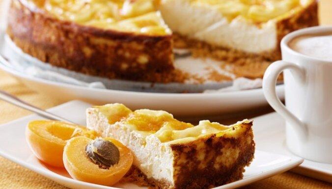Aprikožu siera kūka