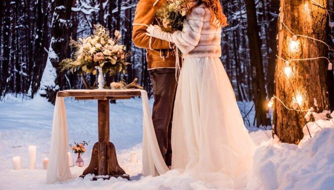 Konkurss: Pastāsti savu īpašo Ziemassvētku bildinājuma vai kāzu stāstu