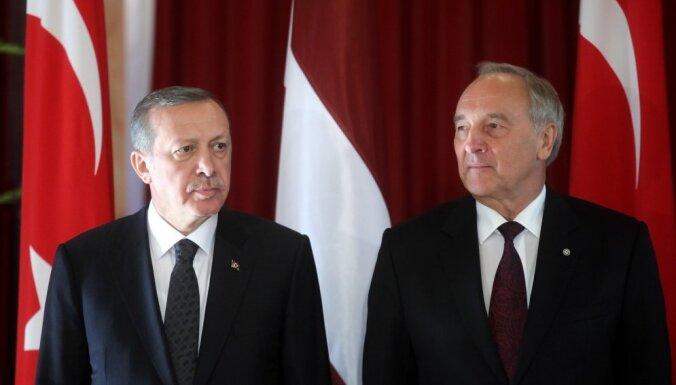 Turcijas iestāšanās process ES tiek kavēts, Rīgā paziņo Erdogans