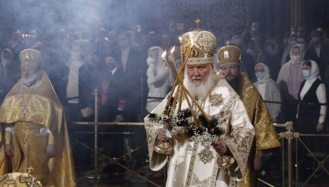 Patriarhs Kirils neticību pandēmijai salīdzina ar neticēšanu dievam