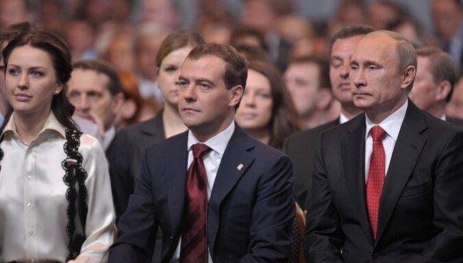 Медведев ответил Эбботу за Путина и огорчился за Обаму