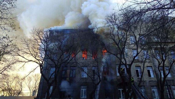 ВИДЕО. Пожар в центре Одессы: выгорело 4 тысячи квадратных метров, 21 человек пострадал, один погиб