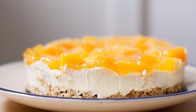 Cepumu – jogurta kūka ar persikiem