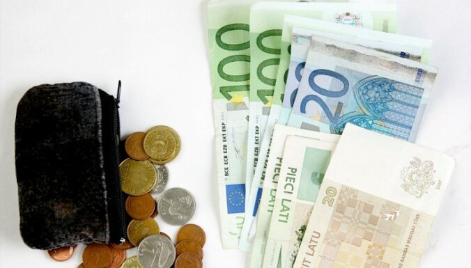 Pāreja no lata uz eiro lielas problēmas naudas apstrādātājiem neradīs