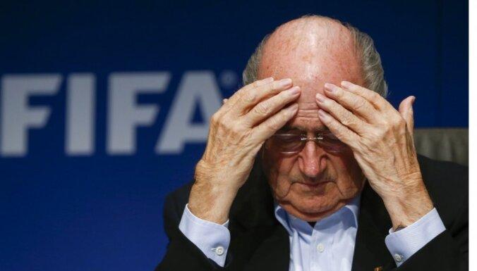 'Adidas' un 'Kia' kompānijas paliek lojālas FIFA prezidentam Blateram