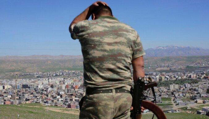 Turcijas robežsargi nošāvuši deviņus bēgļus no Sīrijas, ziņo aktīvisti