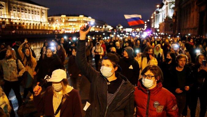 Protesta akcijās Krievijā vairāk nekā 1200 aizturēto. Teksta tiešraides arhīvs