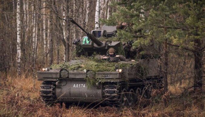 Latvijas armija saņēmusi divas trešdaļas plānoto kaujas kāpurķēžu mašīnu