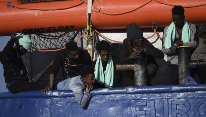 Nīderlande atsakās uzņemt 47 Vidusjūrā 'izglābtos' nelegālos imigrantus