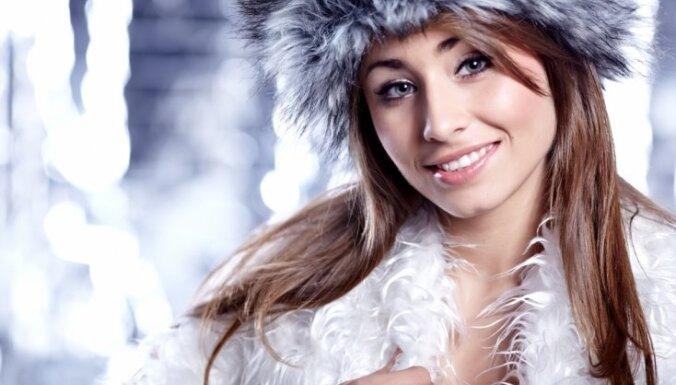 Мама была права: шапка — это обязательный аксессуар. Как правильно ухаживать за волосами зимой и ранней весной