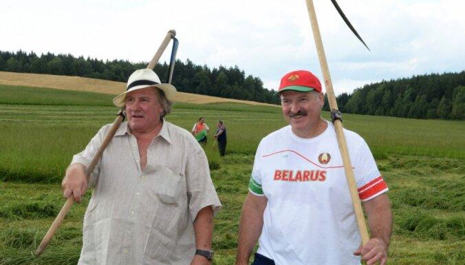 Депардье не понимает, почему у Лукашенко плохая репутация на Западе