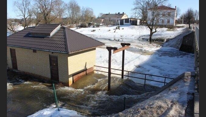 Фото очевидца: затоплена малая ГЭС