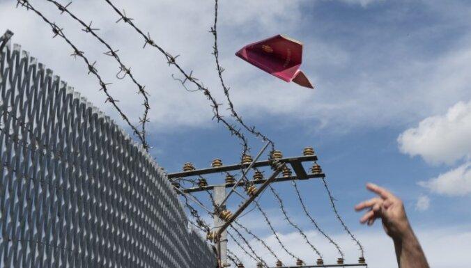 Zviedrija uz mēnesi pagarina robežkontroli