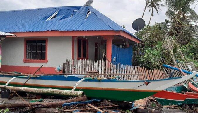 Foto: Taifūnā Filipīnās vismaz 16 bojāgājušie