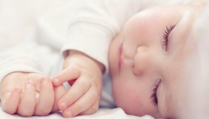 Pērn uz pusi samazinājies ar rotavīrusu saslimušo bērnu skaits; slavē vakcīnas ieviešanu