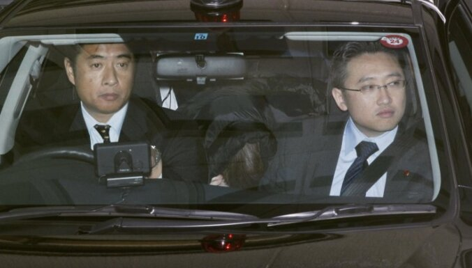 Pēc 17 gadu bēguļošanas padodas 'Aum Shinrikyo' sektants