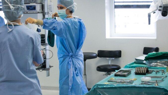 "В Литве от Covid-19 скончался 27-летний мужчина, врачи начали ""сортировать"" пациентов"