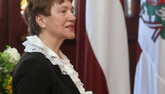 LZA Lielās medaļas piešķirs akadēmiķiem Vijai Klušai un Kalvim Torgānam