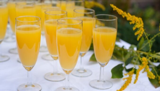 Mimoza - šampanietis ar apelsīnu sulu