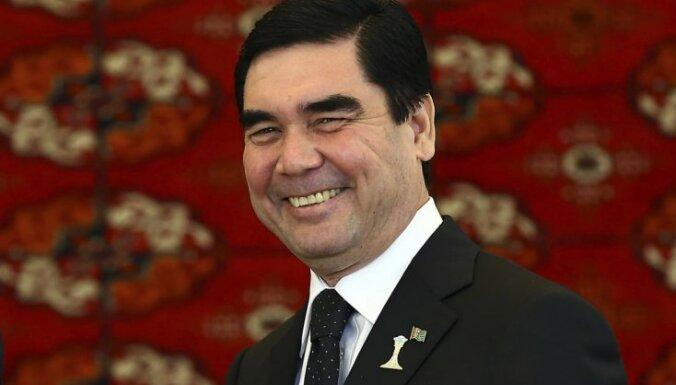 Turkmenistānā notiek prezidenta vēlēšanas; izredzes uzvarēt tikai vienam kandidātam