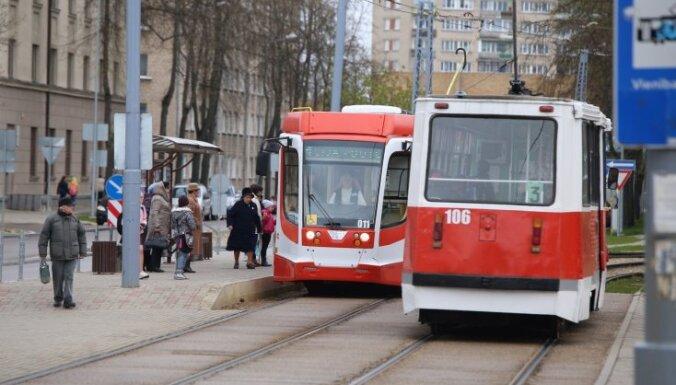 МИД Латвии встревожен, что Даугавпилс собирается закупить трамваи российского холдинга